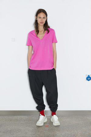 Zara T-shirt básica decote em v
