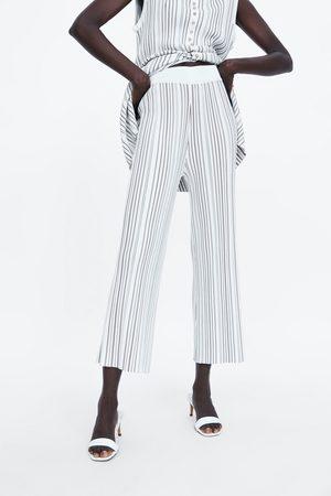 Zara Calças plissadas às