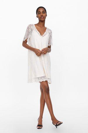 Zara Vestido com bordados