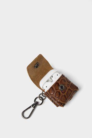 Zara Bolsa para auriculares de pele gravada