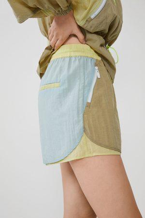 Zara Calções de nylon coloridos