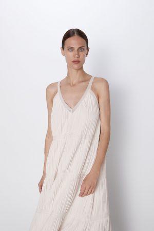 Zara Vestido malha pormenor renda