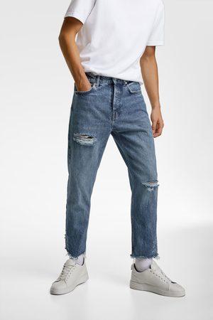 Zara Jeans essentials com efeito de rasgões