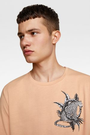 Zara T-shirt combinada com bordados