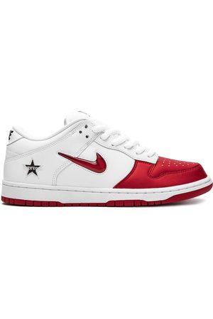 X Supreme SB Dunk Low sneakers