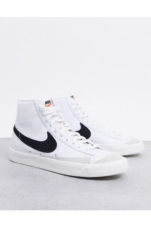 Nike Blazer Mid '77 trainers in white/black
