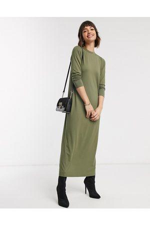 ASOS DESIGN Long sleeve maxi t-shirt dress in khaki-Green