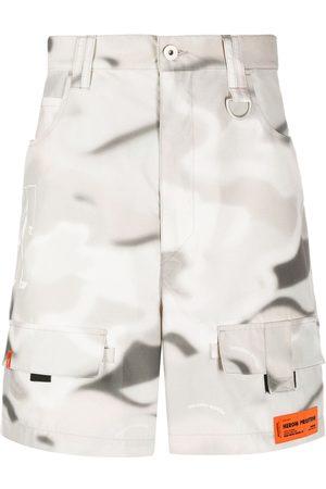 Heron Preston Abstract print cargo shorts