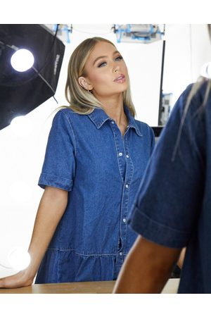 Missguided Denim smock dress with tiered hem in blue