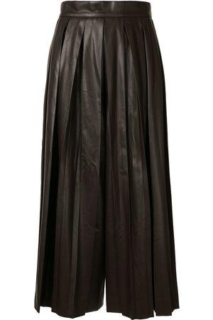 GOEN.J Faux-leather pleated skirt