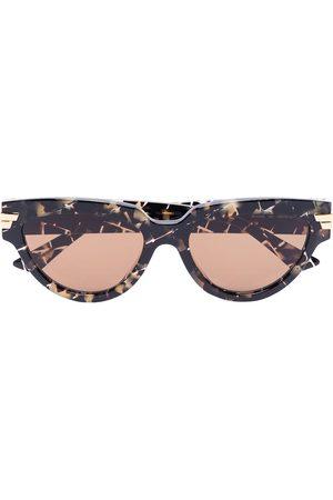 Bottega Veneta Cat-eye frame tortoiseshell-effect sunglasses