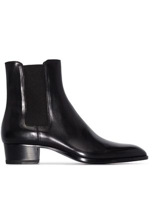 Saint Laurent Wyatt 40 leather boots