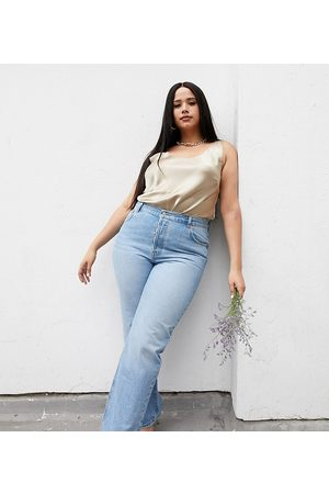 ASOS ASOS DESIGN Curve recycled mid rise '90's' straight leg jeans in midwash-Blue
