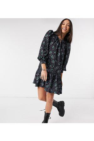 ASOS Mulher Vestidos Casual - ASOS DESIGN Tall mini pep hem volume sleeve smock dress in black green and blue floral