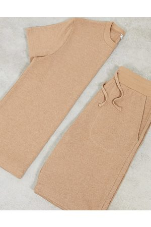 ASOS DESIGN Lounge t-shirt and short pyjama set in soft knit-Brown