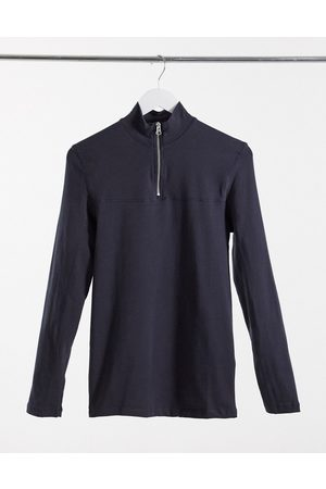 ASOS Homem Manga comprida - Muscle fit long sleeve t-shirt with zip up turtle neck in grey