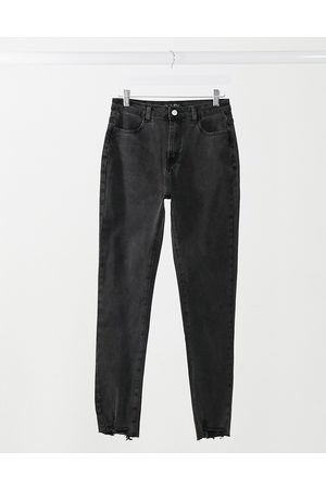 In The Style X Shaughna straight leg jean in black