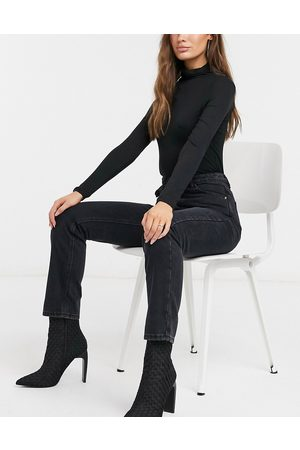 Missguided Wrath straight leg jean in black