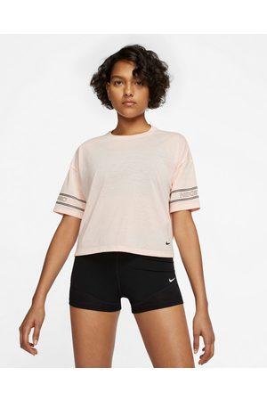 Nike Pro T-shirt Pink