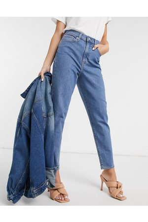 Levi's Levi's high waisted taper jean in midwash blue