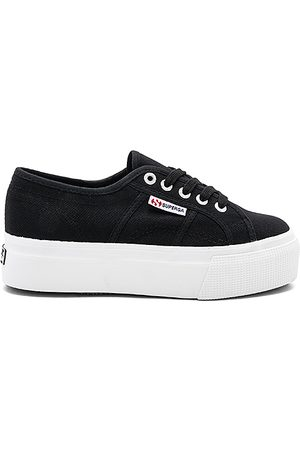 Superga 2790 Platform Sneaker in - Black. Size 10 (also in 6, 6.5, 7, 7.5, 8, 8.5, 9, 9.5).