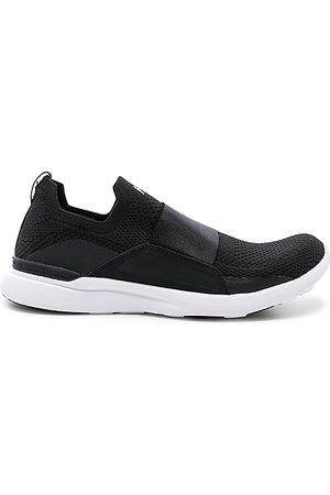 APL Athletic Propulsion Labs Techloom Bliss Sneaker in - Black. Size 10 (also in 6, 6.5, 7, 7.5, 8, 8.5, 9, 9.5, 5).