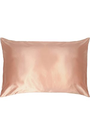 Slip Queen/Standard Pure Silk Pillow Case in - Beauty: NA. Size all.
