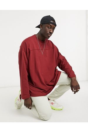 ASOS Homem Manga comprida - Oversized long sleeve t-shirt with seam detail in off burgundy-Red