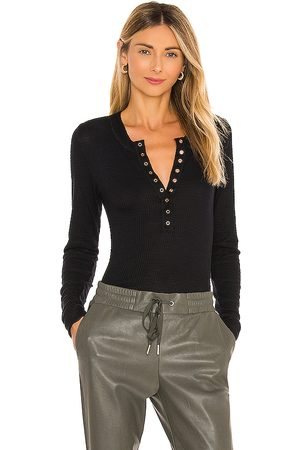 Free People Senhora Tops de Cavas - One of The Girls Henley in - . Size L (also in M).