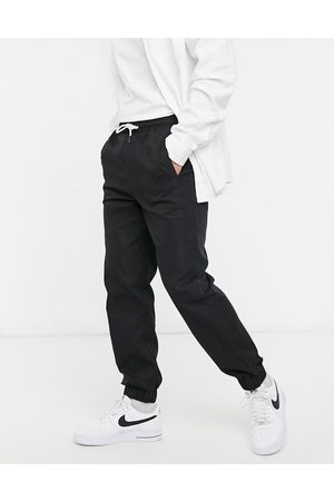 Mennace Utility jogger in black
