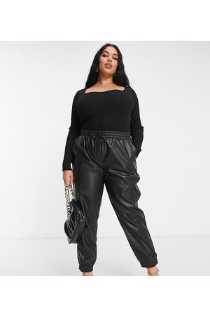ASOS ASOS DESIGN Curve knitted body with sweetheart neck in black