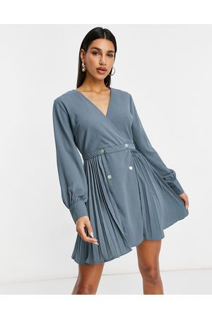 Missguided Pleated skater dress in blue
