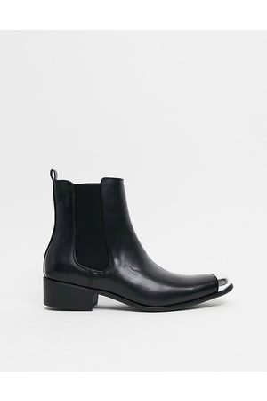 Truffle Collection Western chelsea boots in black with toe cap