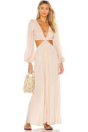 Indah Julie Solid Ruched Bodice Cutaway Maxi Dress in - Beige. Size L (also in S).