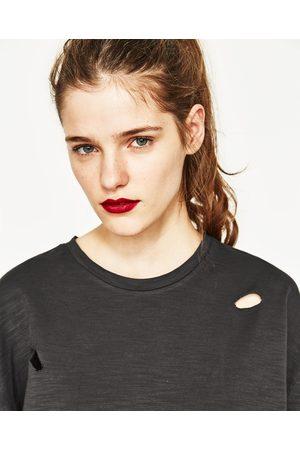 Senhora T-shirts & Manga Curta - Zara T-SHIRT UNGENDERED OVERSIZE RASGÕES