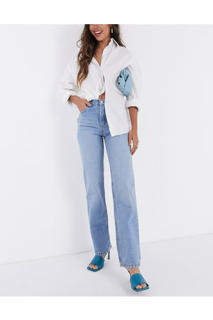 ASOS Mid rise '90's' straight leg jeans in midwash-Blue