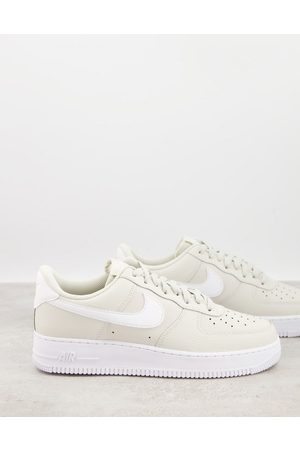 Nike Air Force 1 '07 AN21 trainers in light bone-Stone