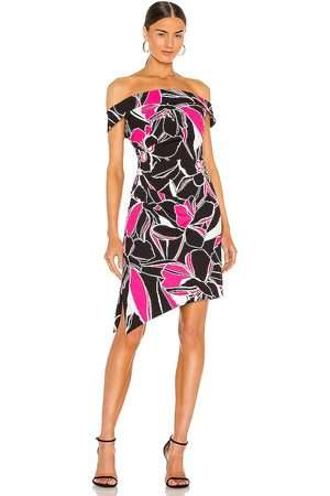 MILLY Ally Stencil Floral Dress in - Black. Size 0 (also in 4, 2, 6, 8).