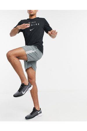Nike Running Dry 7 inch shorts grey