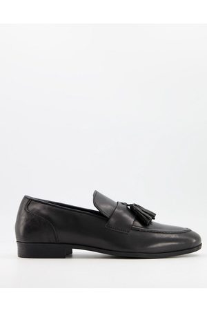Schuh Ross tassel loafers in black leather