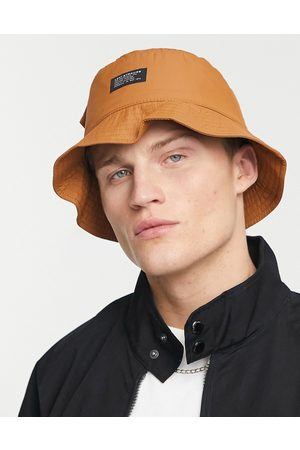 Levis Levi's bucket hat in tan with pocket