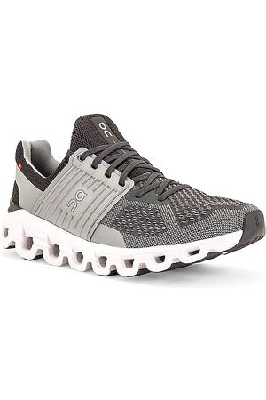 On Running Cloudswift in - Grey. Size 10 (also in 10.5, 11, 12, 13, 8, 8.5, 9, 9.5).