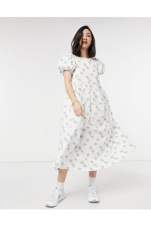 Lost Ink Midi dress with drawstring details in textured vintage floral-White