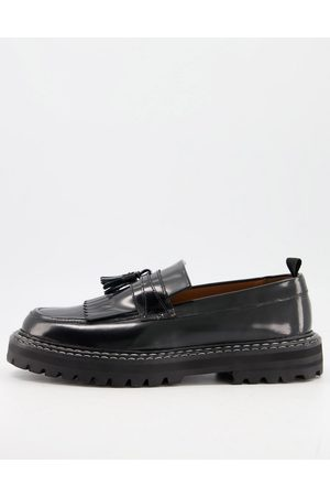ASOS Homem Oxford & Moccassins - Loafers in black leather with chunky sole and contrast stitch