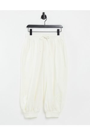 ASOS Joggers - Unisex 3/4 oversized jogger with embroidered 4505-Cream