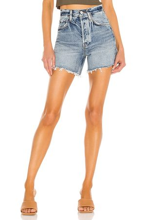 AGOLDE Riley Short in - Blue. Size 23 (also in 24, 25, 26, 27, 28, 29, 30, 31, 32, 33, 34).