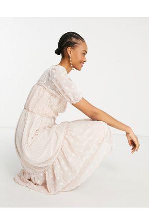 ASOS Senhora Vestidos de Festa - Ruched bust midi dress in mixed textured dobby in blush-Pink