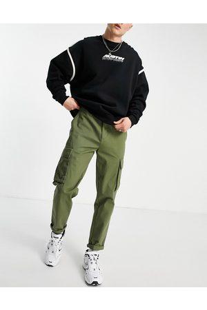 New Look Cargo trouser in khaki-Green