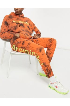 The Arcminute Arcminute dye bottom co-ord in orange