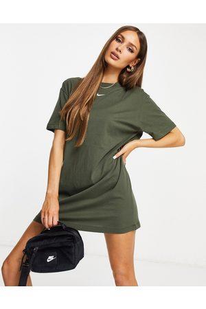 Nike MOVE TO ZERO essential t-shirt dress in khaki-Green